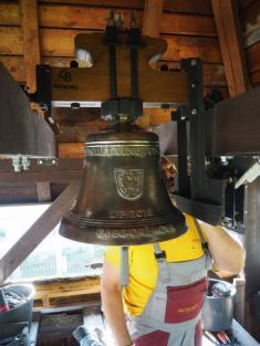 Osazování zvonu